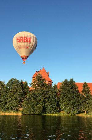 skrydis oro balionu trakai